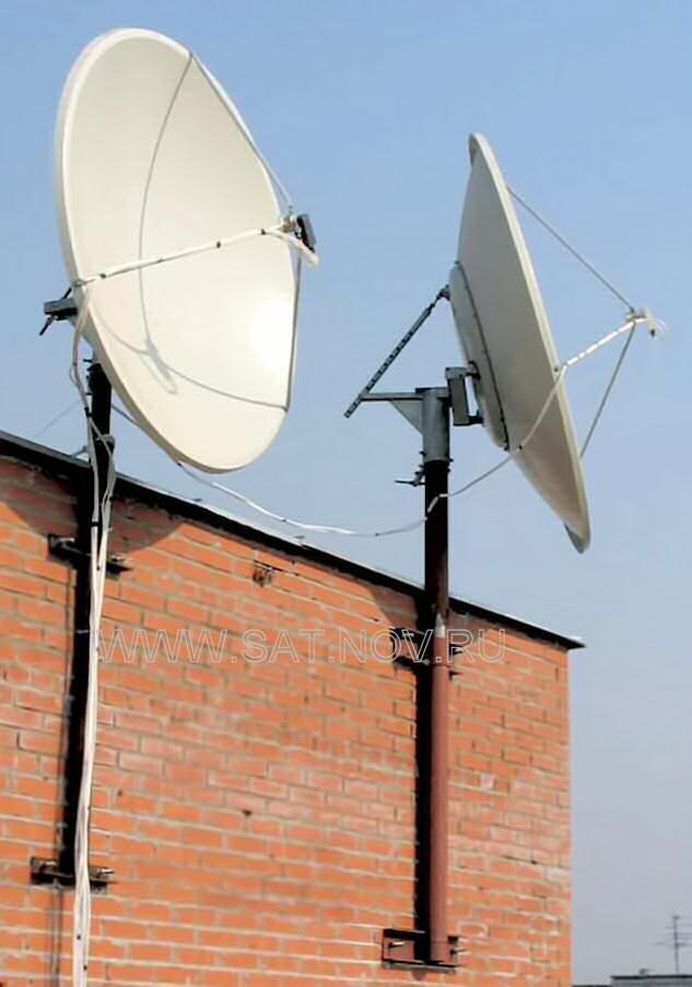 Две спутниковые антенны
